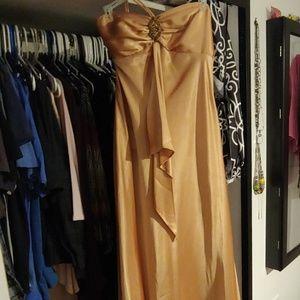 Dresses & Skirts - Golden halter dress